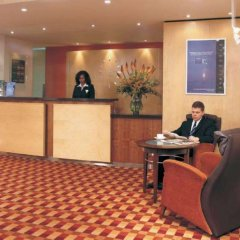 Отель Premier Inn London Hampstead интерьер отеля фото 2