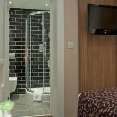 Отель City Continental London Kensington сейф в номере