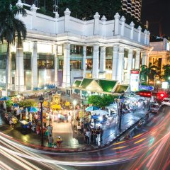 Отель Courtyard by Marriott Bangkok бассейн