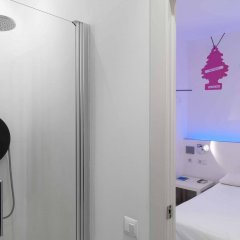 Отель Chic & Basic Tallers Барселона ванная
