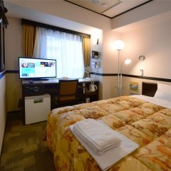 Отель Toyoko Inn Tokyo-eki Yaesu Kita-guchi комната для гостей фото 3