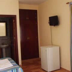Отель Hostal las Parcelas Испания, Кониль-де-ла-Фронтера - отзывы, цены и фото номеров - забронировать отель Hostal las Parcelas онлайн удобства в номере фото 2