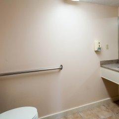 Отель Econo Lodge ванная