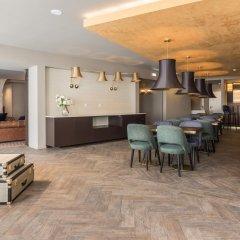 Отель Exe Almada Porto Порту гостиничный бар