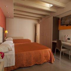 Hotel Aurora Mare Римини комната для гостей фото 2