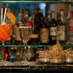 Отель Montebello Splendid Hotel Италия, Флоренция - 12 отзывов об отеле, цены и фото номеров - забронировать отель Montebello Splendid Hotel онлайн гостиничный бар
