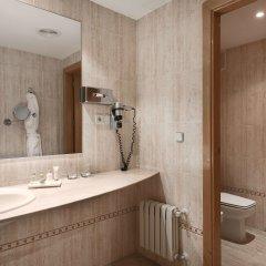 Отель NH Ciudad Real Испания, Сьюдад-Реаль - отзывы, цены и фото номеров - забронировать отель NH Ciudad Real онлайн ванная