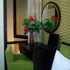 Отель Artisan Boutique Hotel Вьетнам, Ханой - отзывы, цены и фото номеров - забронировать отель Artisan Boutique Hotel онлайн удобства в номере фото 2