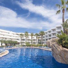 Отель Aparthotel Tropic Garden Испания, Санта-Эулалия-дель-Рио - отзывы, цены и фото номеров - забронировать отель Aparthotel Tropic Garden онлайн бассейн