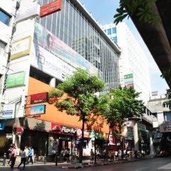 Отель Vplace Silom Бангкок спортивное сооружение