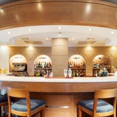 Отель Mitsis Lindos Memories Resort & Spa Греция, Родос - отзывы, цены и фото номеров - забронировать отель Mitsis Lindos Memories Resort & Spa онлайн гостиничный бар