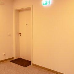 Отель BlueStone Boarding Apartments Германия, Дюссельдорф - отзывы, цены и фото номеров - забронировать отель BlueStone Boarding Apartments онлайн сейф в номере