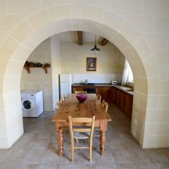 Отель Gozo Houses of Character в номере