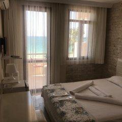 Отель Alacati Golden Resort Чешме комната для гостей фото 2