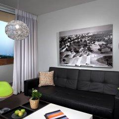 Alexander Tel-Aviv Hotel Израиль, Тель-Авив - 10 отзывов об отеле, цены и фото номеров - забронировать отель Alexander Tel-Aviv Hotel онлайн комната для гостей фото 3