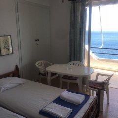Отель Daskalio Resort Adamis комната для гостей фото 5