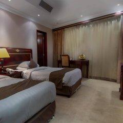 Chairmen Hotel комната для гостей