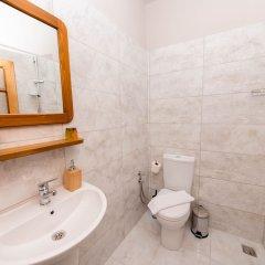 Отель Old Kalamaki Pansiyon Калкан ванная