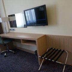 Отель Холидей Инн Уфа удобства в номере фото 2