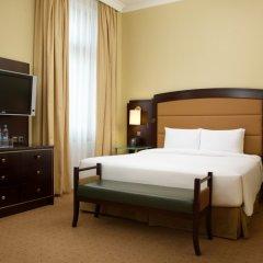 Гостиница Hilton Москва Ленинградская 5* Стандартный номер с двуспальной кроватью фото 8