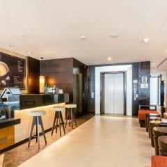 Отель A-One Pattaya Beach Resort гостиничный бар