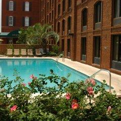 Hotel Indigo Savannah Historic District бассейн