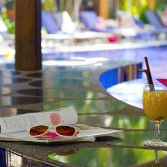 Отель Best Western Premier Bangtao Beach Resort & Spa бассейн