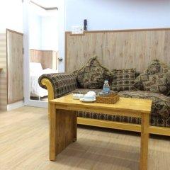 Апартаменты Bach Duong Apartment комната для гостей