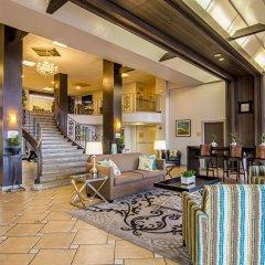 Отель Quality Inn & Suites Denver Stapleton интерьер отеля фото 2