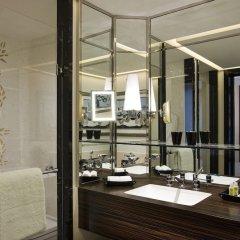 Prince de Galles, a Luxury Collection hotel, Paris ванная фото 4