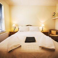 Отель St Raphael Guest House комната для гостей фото 3