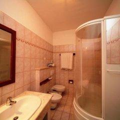 Отель Assinos Palace Джардини Наксос ванная