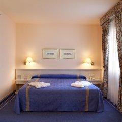Отель Ayre Hotel Sevilla Испания, Севилья - 2 отзыва об отеле, цены и фото номеров - забронировать отель Ayre Hotel Sevilla онлайн комната для гостей фото 4