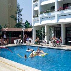 Salute Hotel бассейн
