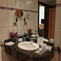 Отель Golden Tulip Sharjah ОАЭ, Шарджа - 1 отзыв об отеле, цены и фото номеров - забронировать отель Golden Tulip Sharjah онлайн ванная