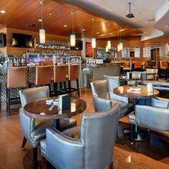 Отель Best Western Plus Chateau Granville Hotel & Suites Канада, Ванкувер - отзывы, цены и фото номеров - забронировать отель Best Western Plus Chateau Granville Hotel & Suites онлайн гостиничный бар
