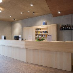 Отель Youth Hostel Gstaad Saanenland Швейцария, Гштад - отзывы, цены и фото номеров - забронировать отель Youth Hostel Gstaad Saanenland онлайн интерьер отеля