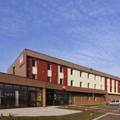 Отель ibis Beauvais Aeroport парковка