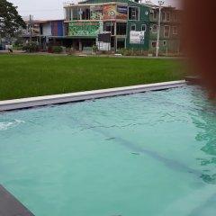Traveller's Home Hotel бассейн
