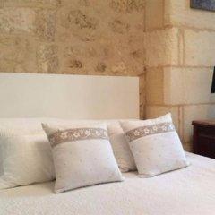 Отель La Maison Colline Франция, Сент-Эмильон - отзывы, цены и фото номеров - забронировать отель La Maison Colline онлайн комната для гостей