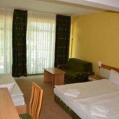 Отель Juli Болгария, Солнечный берег - отзывы, цены и фото номеров - забронировать отель Juli онлайн комната для гостей фото 5