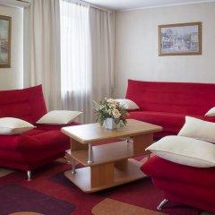 Гостиница Хакасия в Абакане 1 отзыв об отеле, цены и фото номеров - забронировать гостиницу Хакасия онлайн Абакан комната для гостей фото 4
