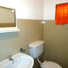 Отель Thirasara Holiday Inn Шри-Ланка, Тиссамахарама - отзывы, цены и фото номеров - забронировать отель Thirasara Holiday Inn онлайн комната для гостей фото 2