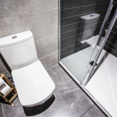 Отель Hola Rooms Испания, Мадрид - отзывы, цены и фото номеров - забронировать отель Hola Rooms онлайн ванная