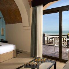 Отель The Cove Rotana Resort балкон