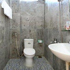 Отель Center Homestay ванная