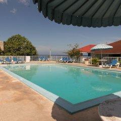 Отель Cool Breeze Beach Studio Ямайка, Монтего-Бей - отзывы, цены и фото номеров - забронировать отель Cool Breeze Beach Studio онлайн бассейн
