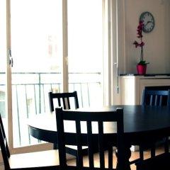 Отель Pelican Stay - Apt Near Arc de Triomphe Франция, Париж - отзывы, цены и фото номеров - забронировать отель Pelican Stay - Apt Near Arc de Triomphe онлайн балкон