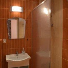 Отель Bon Bon Hotel Болгария, София - отзывы, цены и фото номеров - забронировать отель Bon Bon Hotel онлайн ванная