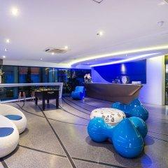Отель Blue Boat Design Hotel Таиланд, Паттайя - отзывы, цены и фото номеров - забронировать отель Blue Boat Design Hotel онлайн гостиничный бар